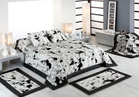 Фото оформление интерьера спальни при помощи декоративных ковриков
