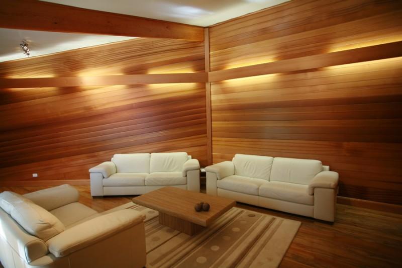 Оформление интерьера деревянными панелями
